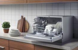 Мытье посуды без проблем: выбираем настольную посудомоечную машину