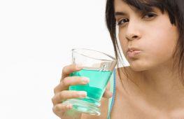 Хлорофиллипт для взрослых и детей: как правильно полоскать больное горло