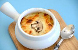 Жюльен с грибами и курицей – вкусная и сытная закуска для всей семьи: как приготовить жюльен в домашних условиях, простые рецепты с пошаговыми фото