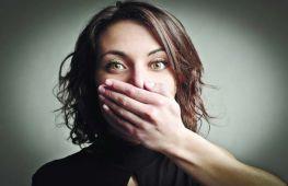Почему у взрослых появляется стоматит, как его лечить дома