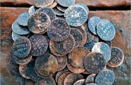 В поисках клада: как выбрать металлоискатель и где лучше всего искать монеты