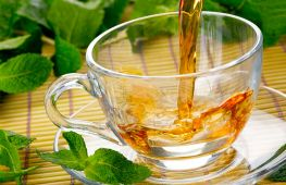 Травы для чая: какие можно собирать в июне и июле