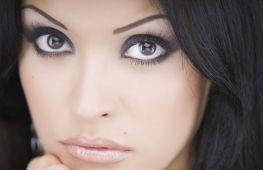 Секреты макияжа: как визуально сделать глаза больше