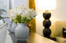 Искусственные цветы для изысканного домашнего интерьера