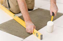 Как правильно положить плитку на пол в кухне и ванной своими руками: шаг за шагом разбираемся в технологии укладки