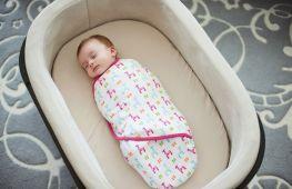 Как правильно запеленать ребёнка. Способы и схемы, которые помогут завернуть новорождённого малыша в пелёнку