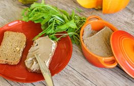 Пошаговый рецепт паштета из куриной печени: быстро и вкусно
