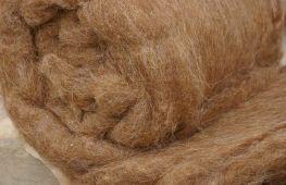 Грамотно выбираем одеяло из верблюжьей шерсти: на какие факторы обращать внимание