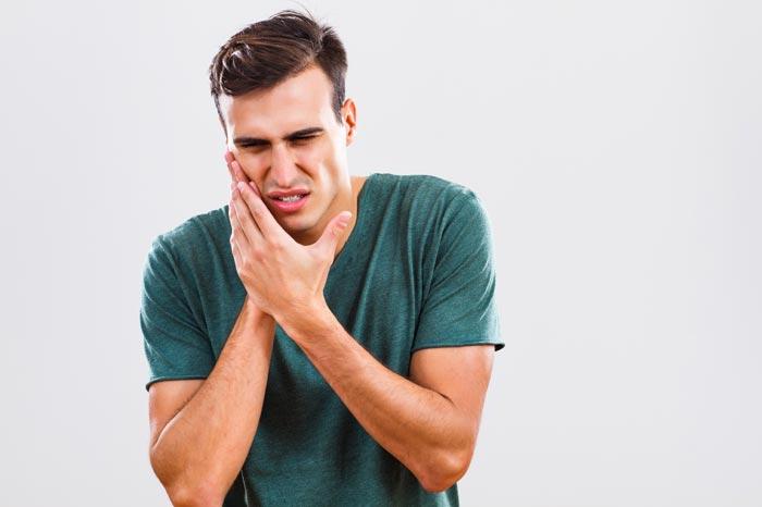 Зубная боль под коронкой: чем снять