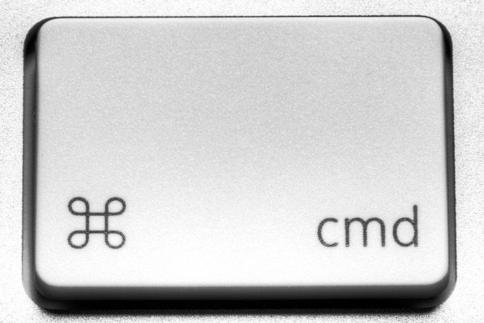 Для выделения файлов в Mac OS используется клавиша CMD