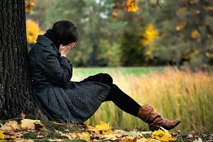 Депрессия может повлечь за собой суицид, поэтому к любым ее признаком необходимо относиться со всей серьезностью