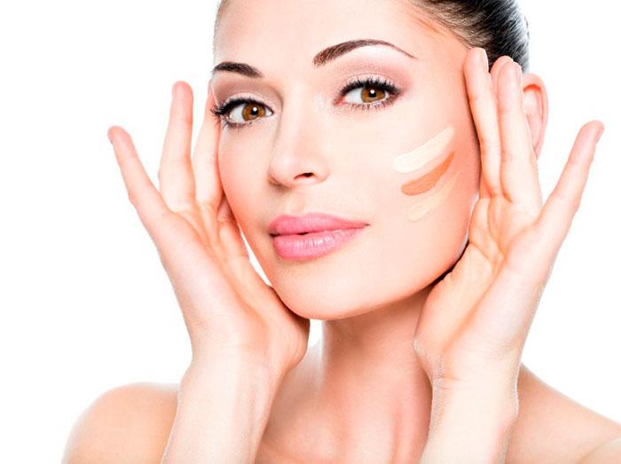 Тональный крем необходимо подбирать в соответствии с оттенком кожи