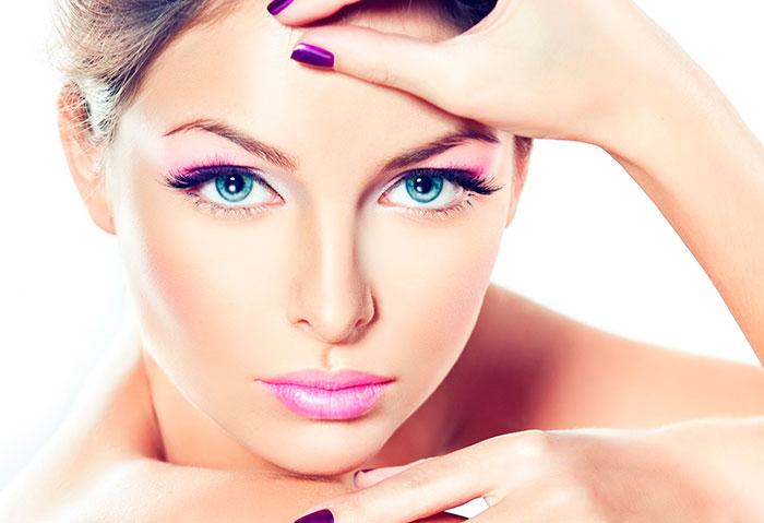 Хороший эффект увеличения глаз дают щипцы для завивки ресниц