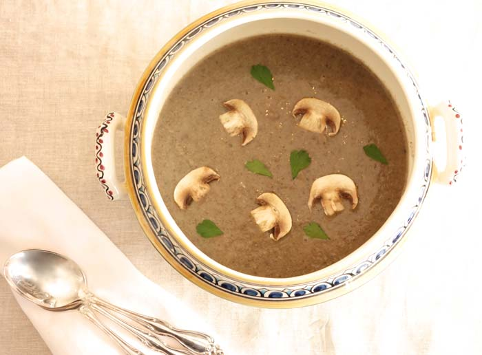 Подавайте суп с сухариками