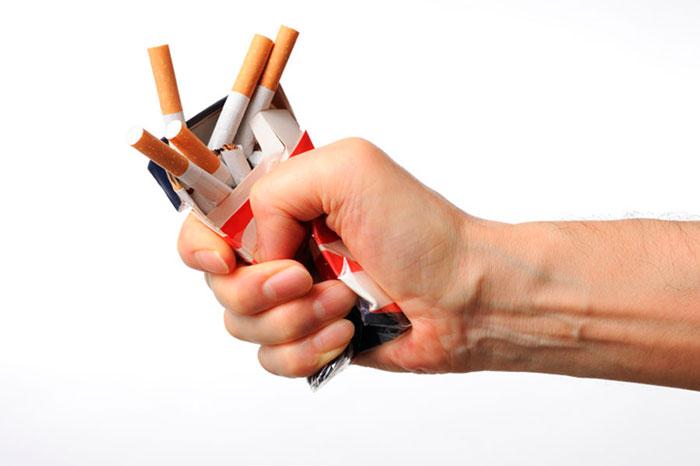 При отказе от курения необходимы физические нагрузки, чтобы не прибавить в весе