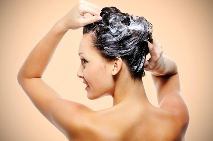 Активный рост волос стимулирует массаж