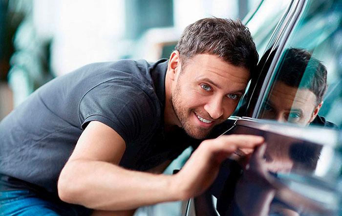 Для осмотра автомобиля лучше пригласить специалиста