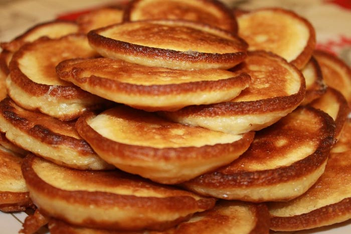 Для тех, кто соблюдает диету, подойдет рецепт оладий в духовке