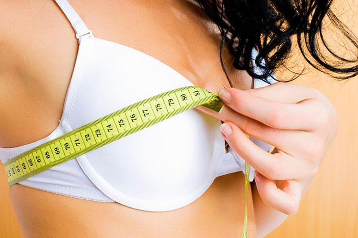 Один из первых признаков беременности - новые ощущения в груди