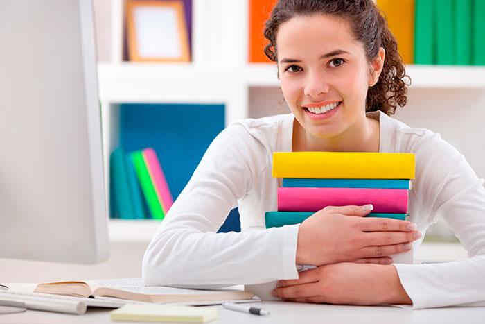 При поступлении в ВУЗ на юриста необходимо сдавать экзамен по иностранному языку