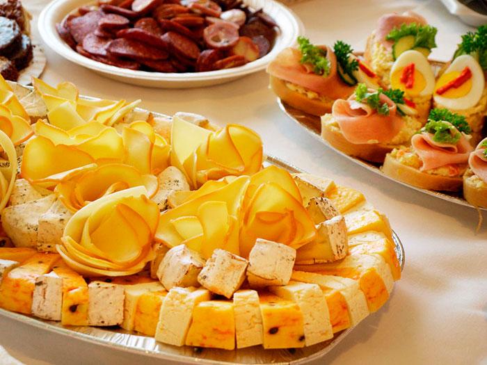 Вариант оформления сырной тарелки