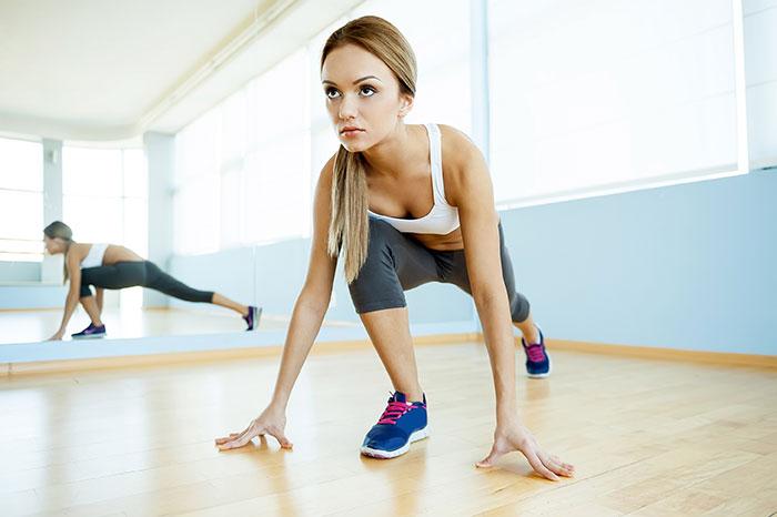 Суточная норма потребления калорий - около 1800 у женщин и 2200 у мужчин