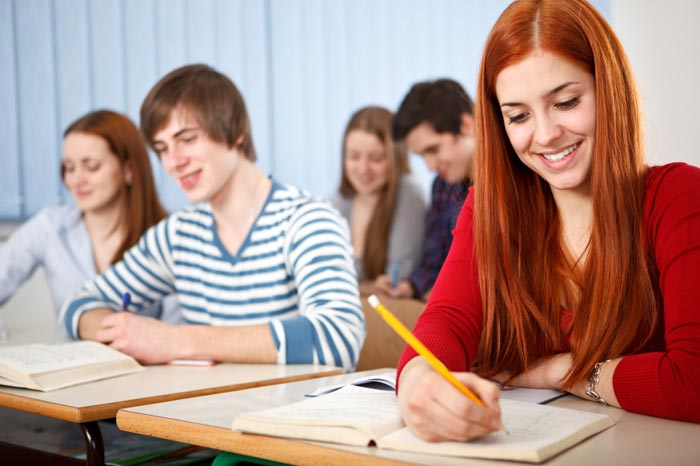 Выпускники могут успешно работать как в государственных, так и в частных структурах