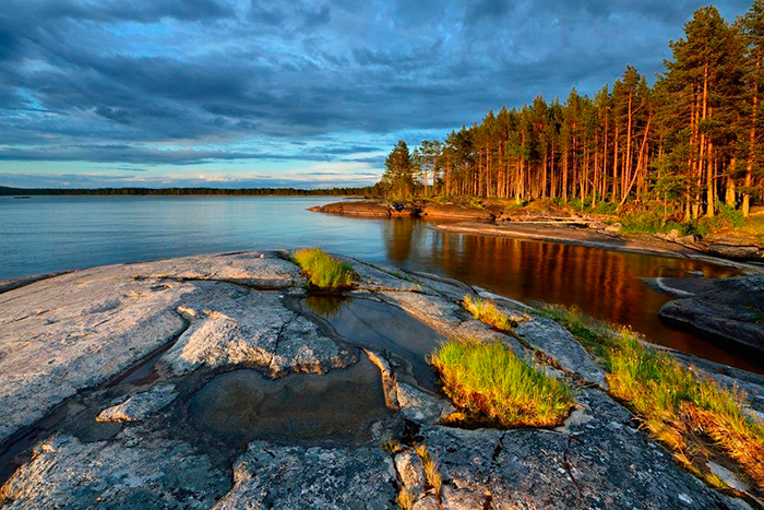 Карелия находится в западной части России