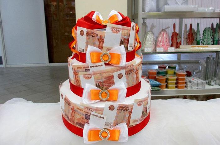Для торта можно использовать купюры различного номинала