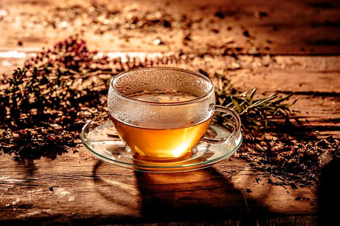 Собирать травы для чая необходимо вдали от дорог и населенных пунктов