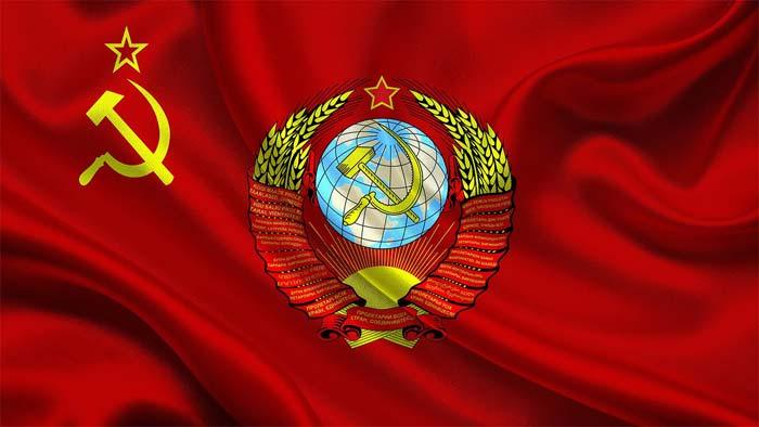 К распаду СССР привела совокупность факторов