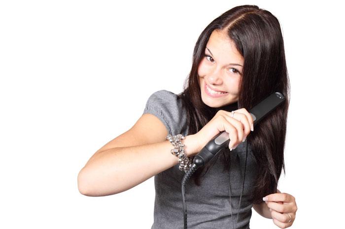 Выпрямитель нужно выбирать под свой тип волос