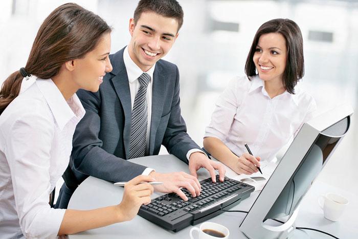 Выпускник может работать в гос структурах или в частной фирме