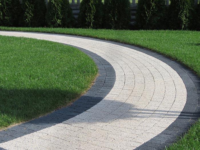 Перед покупкой плитки определитесь с дизайном будущей дорожки