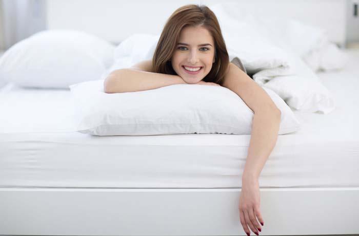 Если вы склонны к аллергии, выбирайте подушку и синтетическим наполнителем