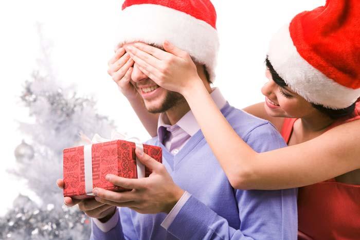 Подарки, сделанные своими руками, всегда будут приятным сюрпризом для близких