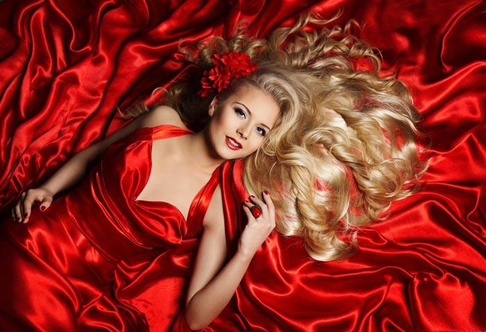 Для встречи нового года актуальны все оттенки красного