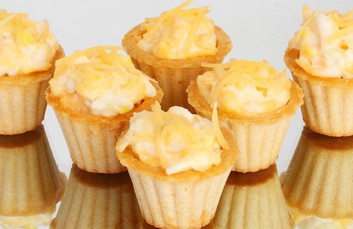Корзиночки из слоеного теста с сыром