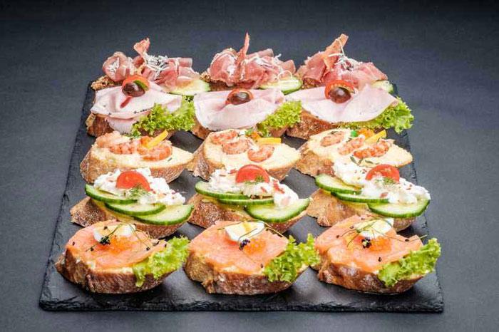 Новогодние бутерброды с багетом