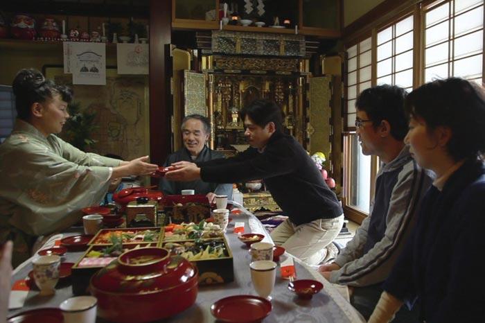 Праздничный ужин в Японии