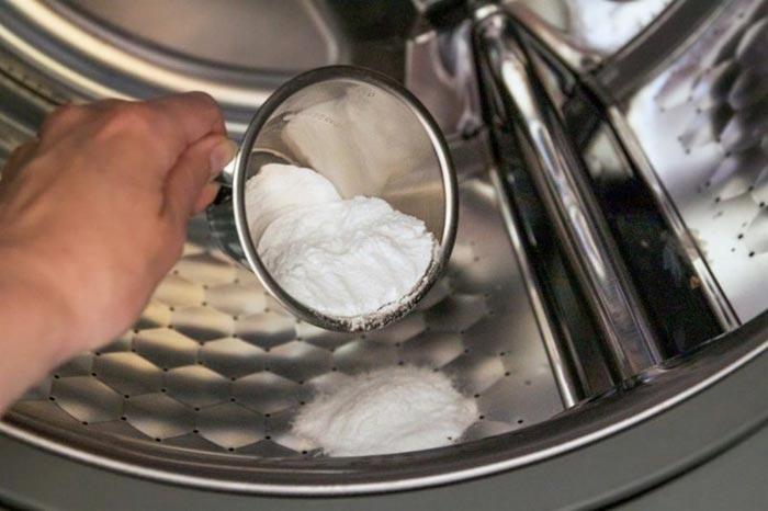 Содой можно чистить машинку раз несколько месяцев