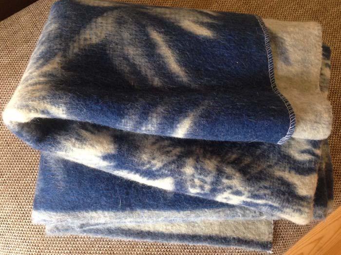 Открытое одеяло из верблюжей шерсти