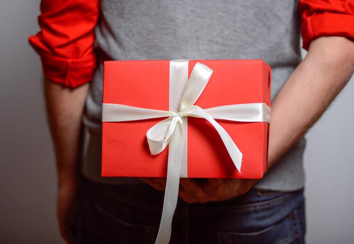 Выбирая в подарок одежду, узнайте размер