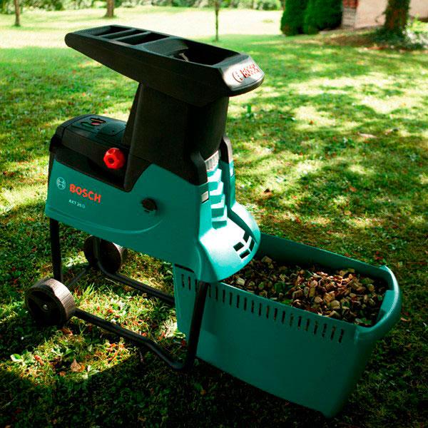 Для травы и листьев лучше выбрать измельчитель с дисковым ножом, для веток - с фрезерным