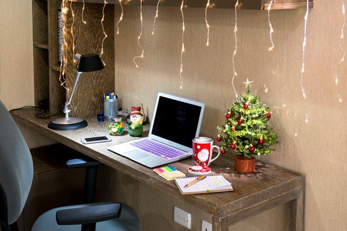 Важно, чтобы украшения в офисе не отвлекали от работы