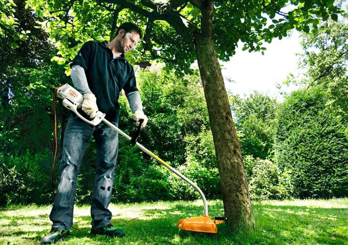 Триммер облегчит работу в саду