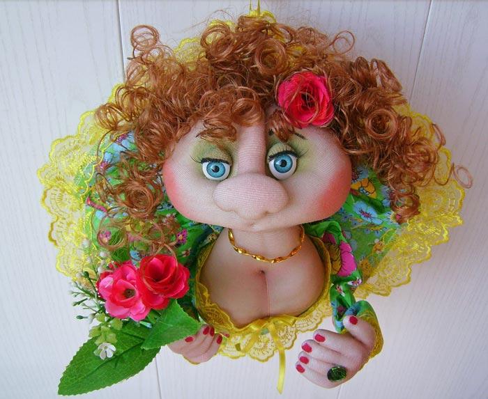 Уделите внимание мимике куколки, чтобы создать характер