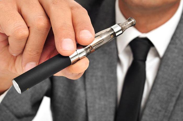 Электронная сигарета становится популярным гаджетом