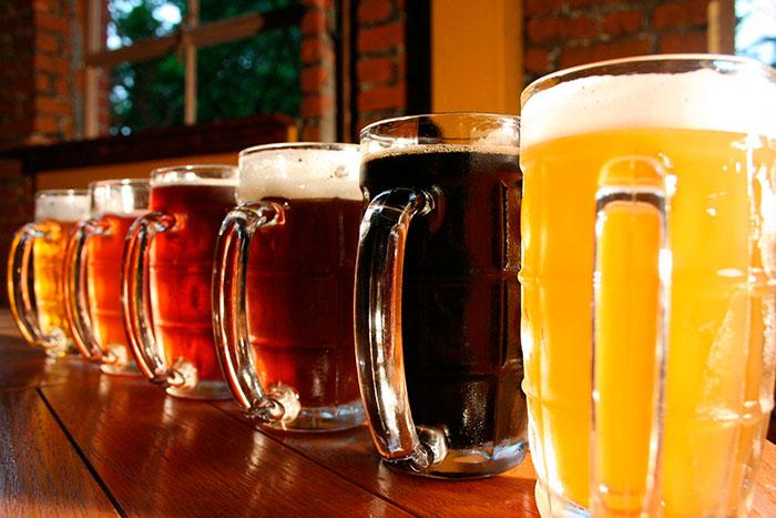 Все большую популярность в России набирает крафтовое пиво