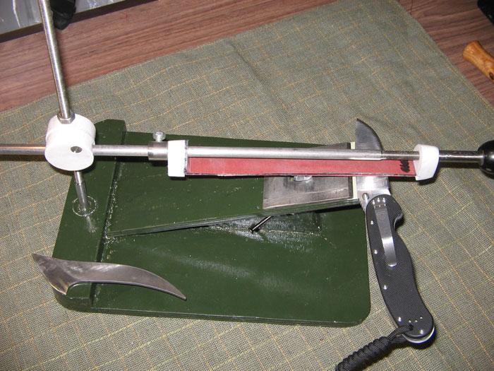 При заточке ножа выдерживайте один угол